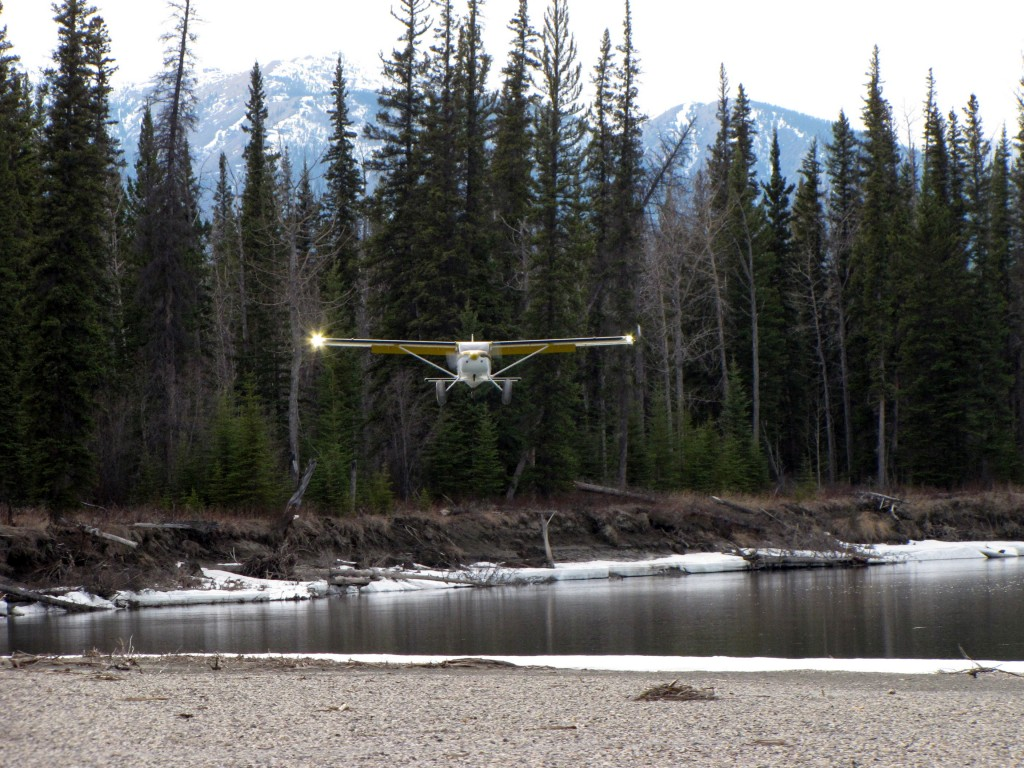 Alan Negrin & N944SP landing on a gravel bar on the Kachika River, B.C.